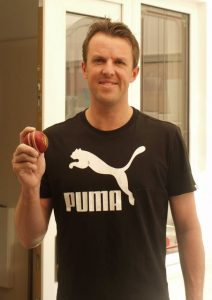 graeme swann england cricket bowler finalist helps raise money for charity with 3d casting