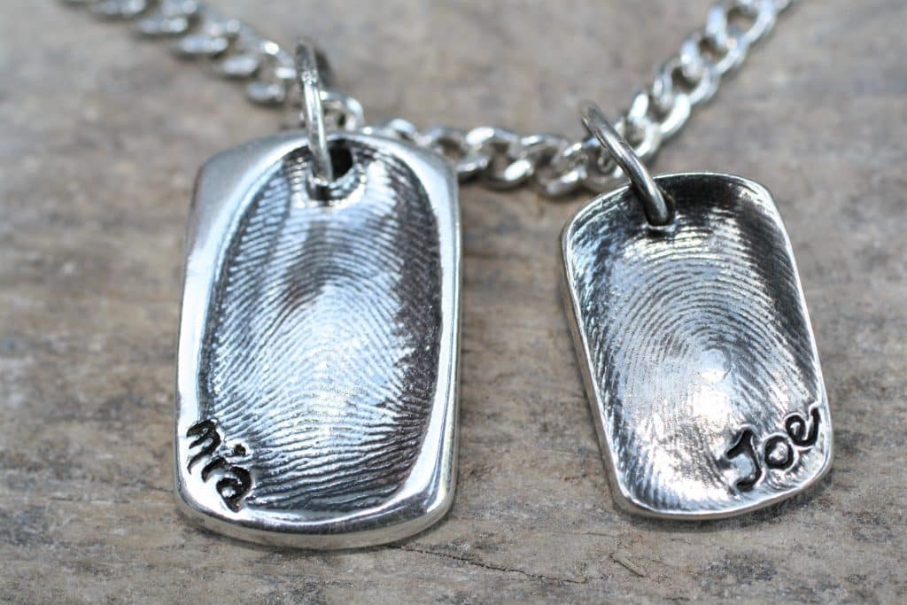 silver fingerprint jewellery kit using putty