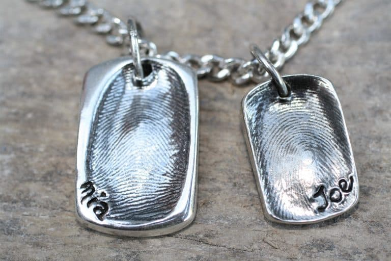 silver fingerprint jewellery kit using putty