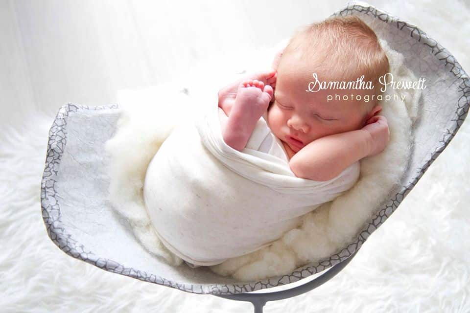 pregnancy belly bump bowl in photo shoot with samantha prewett newborn photography poole