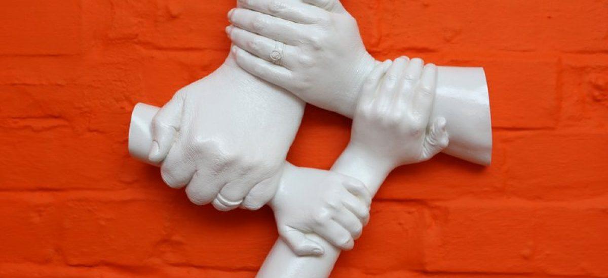 Famly handcast